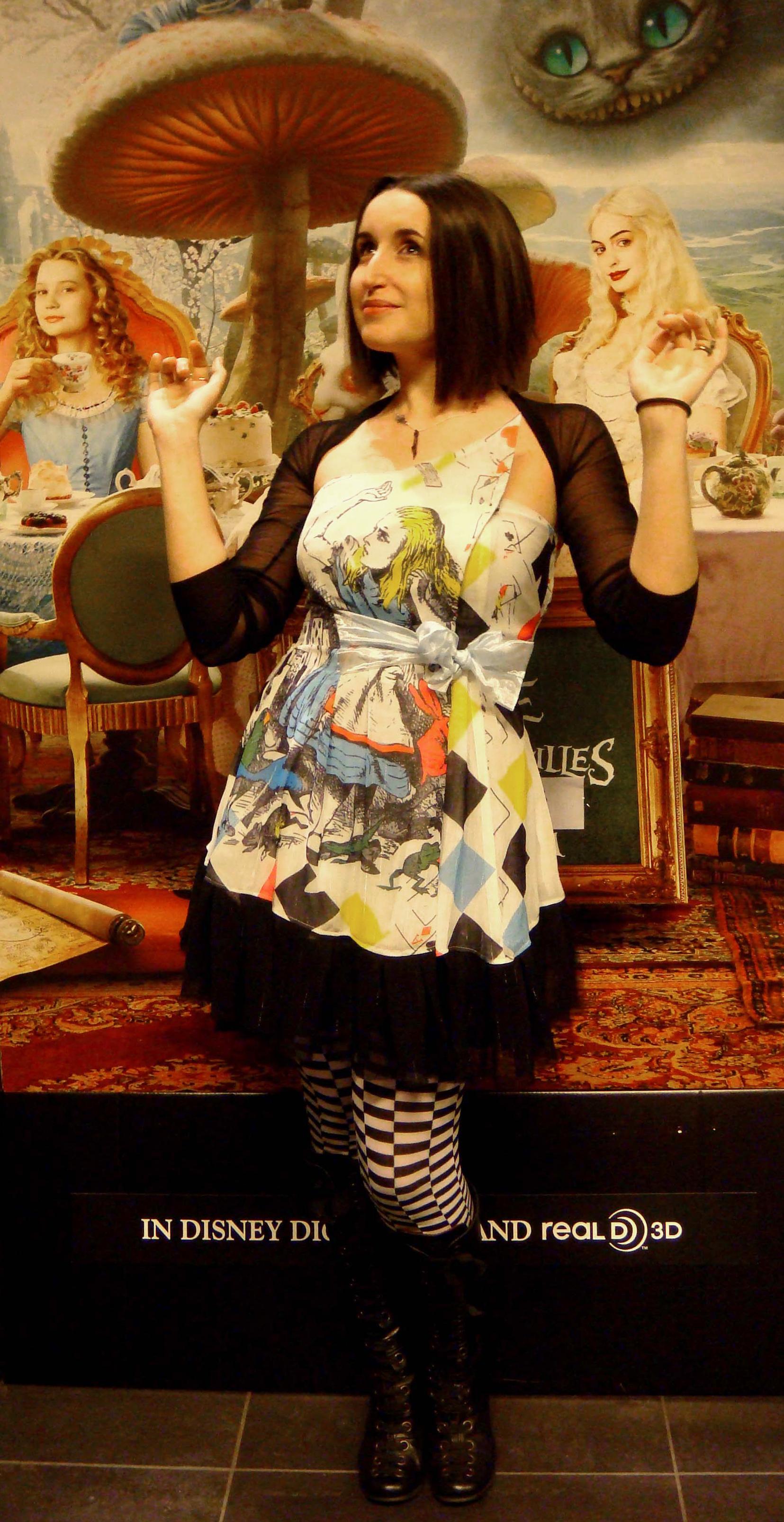 look_du_jour_h2-barbie_alice-in-wonderland