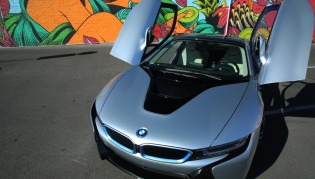 bmw-i8-open-doors