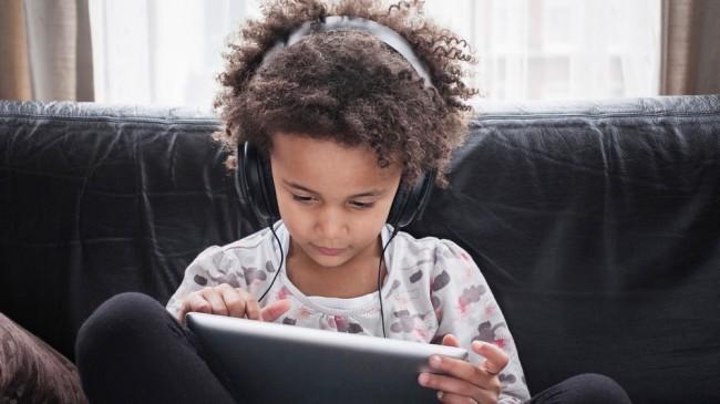 Comment protéger les oreilles et les yeux de vos enfants contre l'exposition aux écrans