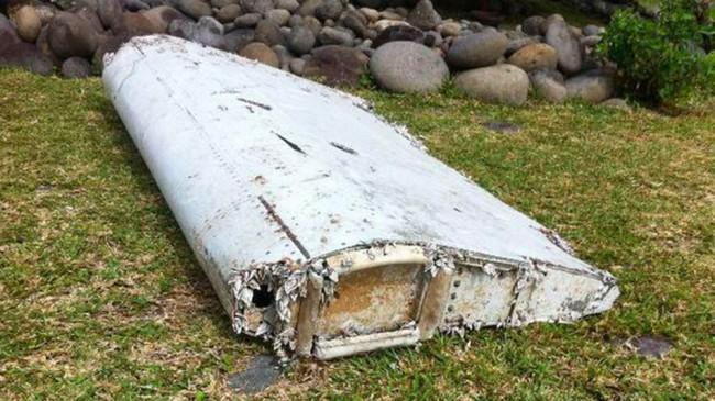 Est-ce que c'est le MH370 ? Des débris d'un avion trouvés à l'île de Réunion à coté de Madagascar
