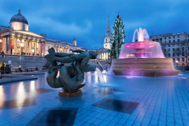 sapin-de-noel-et-fontaine