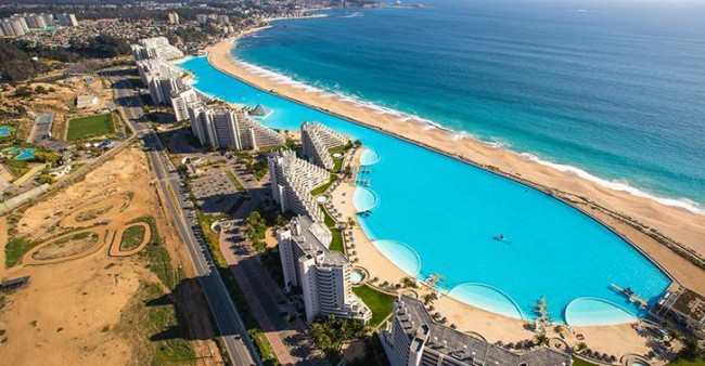 La plus grande piscine du monde : un paradis aquatique